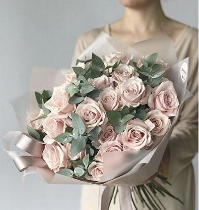 Bouquet Rosas con Eucaliptos